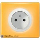 Prise standard à puits Céliane blanc - Plaque Today jaune