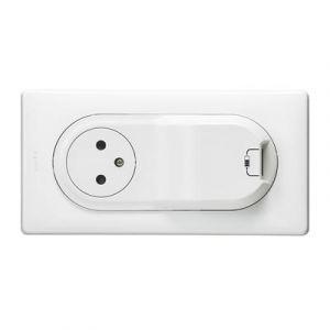Prise Céliane Surface + chargeur USB avec plaque + boite 1 poste - Blanc