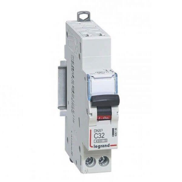 Disjoncteur DNX3 - Auto/Vis - 32A - Legrand - 406786