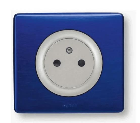 prise de terre céliane surface avec plaque finition bleu